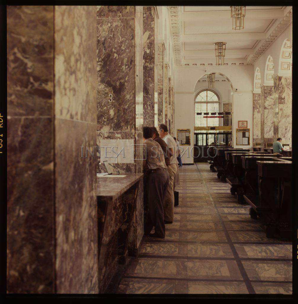 Istituto Bancario San Paolo, Warsaw representative office, 1997 (photograph by Tomasz Wierzejski)