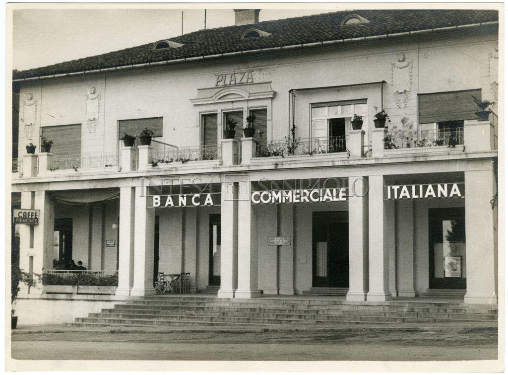 Banca Commerciale Italiana, Abbazia agency on Corso Vittorio Emanuele III, 1920-1938 (photographer unknown)