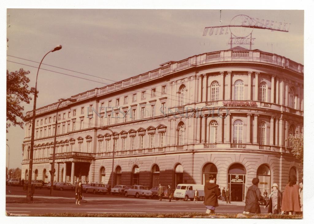 Banca Commerciale Italiana, Warsaw representative office on 13 Krakowskie Przedmiescie - Hotel Europejski Hotel Europejski , 1974 photograph by E. Paszkowska)